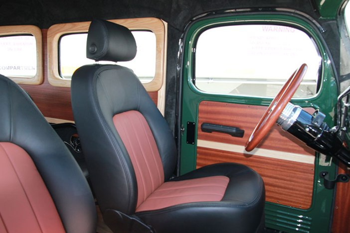 legacy-carryall-interior-front