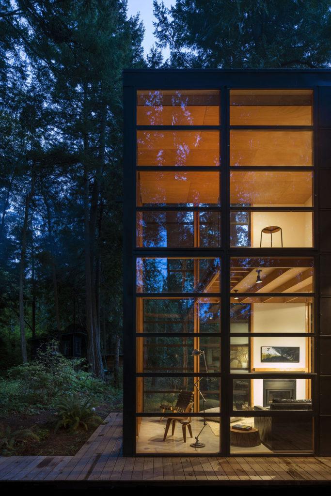 Lightbox-House-04