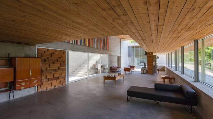 Geres-House-By-Carvalho-Araujo-2