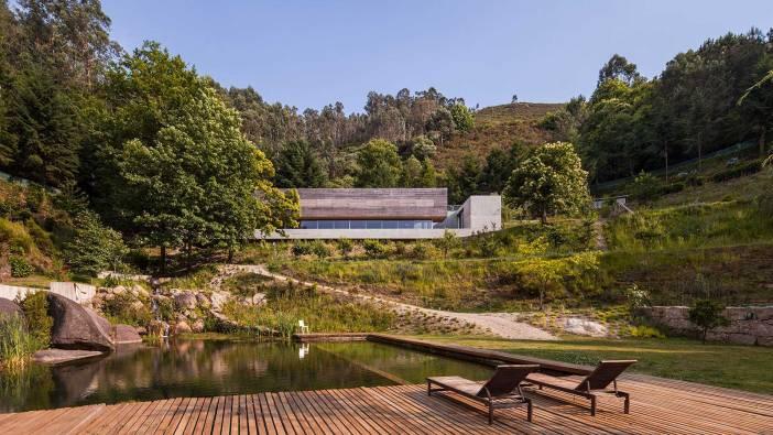 Geres-House-By-Carvalho-Araujo-3