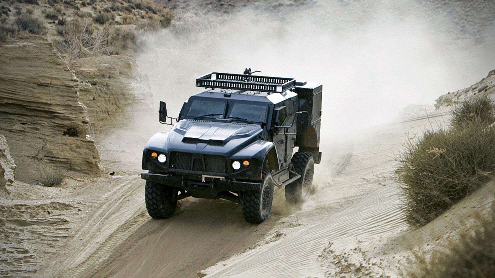 OSHKOSH-DEFENSE-LCTV-MILITARY-ATV-2