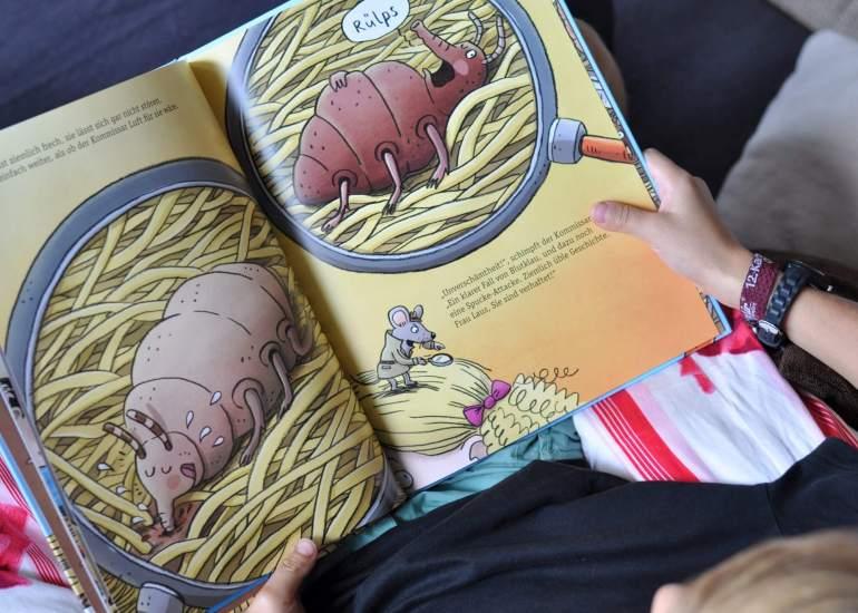 Die Läuse sind los - Ein Sachbilderbuch über Kopfläuse, spannend erklärt #Bidlerbuch #Sachbuch #Läuse #Kopfläuse #vorlsen #Kindergarten