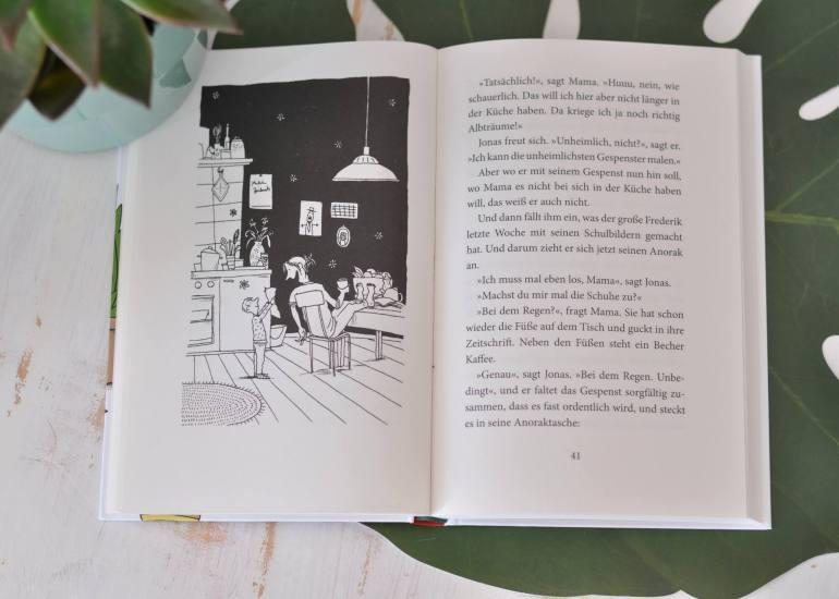 Manchmal ist es für Jonas ganz schön schwer, der Jüngste in der Familie zu sein. Jeder meint an ihm herumerziehen zu können. Vor allem seine Geschwister Daniel und Anika. Die sind zu groß zum Laterne laufen und die Nuckelflasche, die benutzt Jonas auch lieber nur heimlich, damit er nicht ausgelacht wird.  #kinderbuch #lesen #vorlesen #geschwister #freundschaft #jüngster #familie