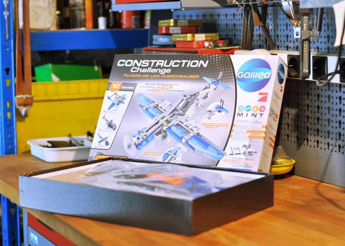 Mit Flugzeugen und Hubschraubern experimentieren - Clementoni Construction Challenge