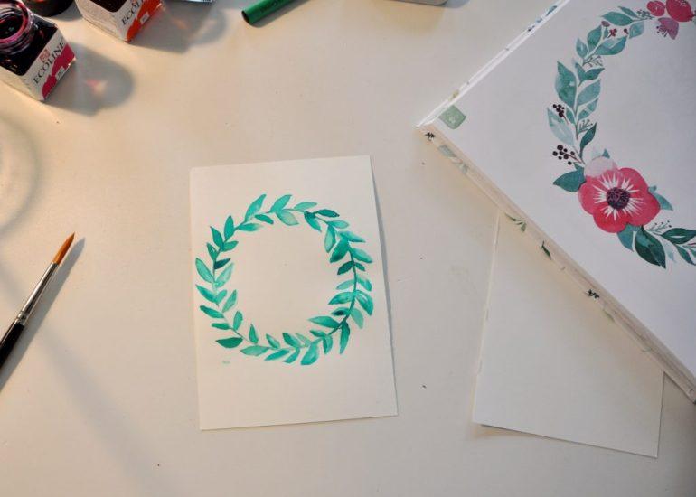 Handlettering Watercolor, wunderschöne Botschaften mit Aquarellfarbe, Anleitung für Aquarelle, Floraler Kranz, Weihnachstkarten mit Aquarellfarbe selbst gestalten, Buch-Tipp auf dem Blog