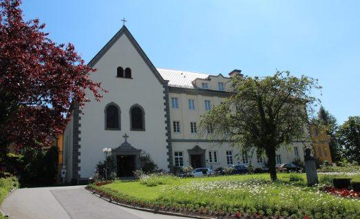 kurhaus-schaerding1