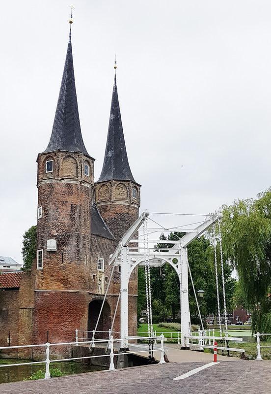 Delft mit Kind: Stadttor