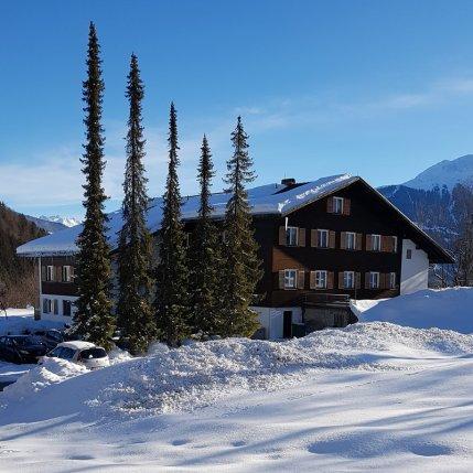 Erfahrungsbericht Skifahren mit Kind am Bewegungsberg Golm, Montafon: Gästehaus Latschau