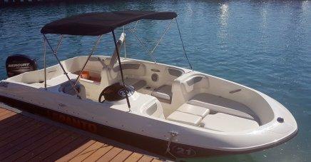 gardasee-mit-kind-motorboot-fahren-6