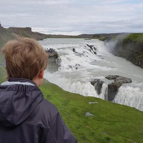 Island mit Kind: Gullfoss