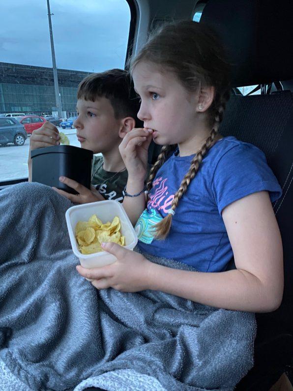 Snacks im Auto