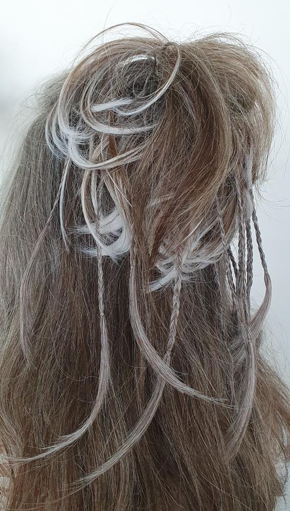 Frisur für graue Haare: Haarteil