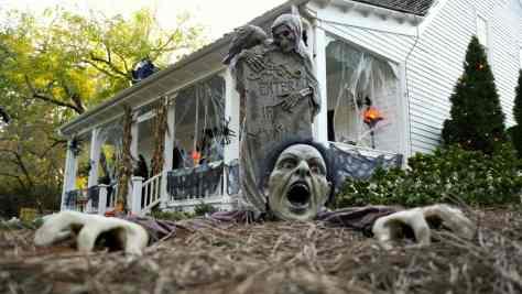 Halloween house.jpg