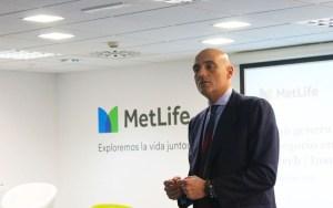 MetLife Fintonic seguro digital clientes de movilidad compartida