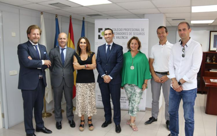 AXA realiza una visita institucional al Colegio de Mediadores de Seguros de Valencia