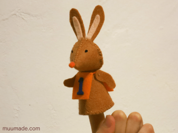 Bunny-Hare-running_2482