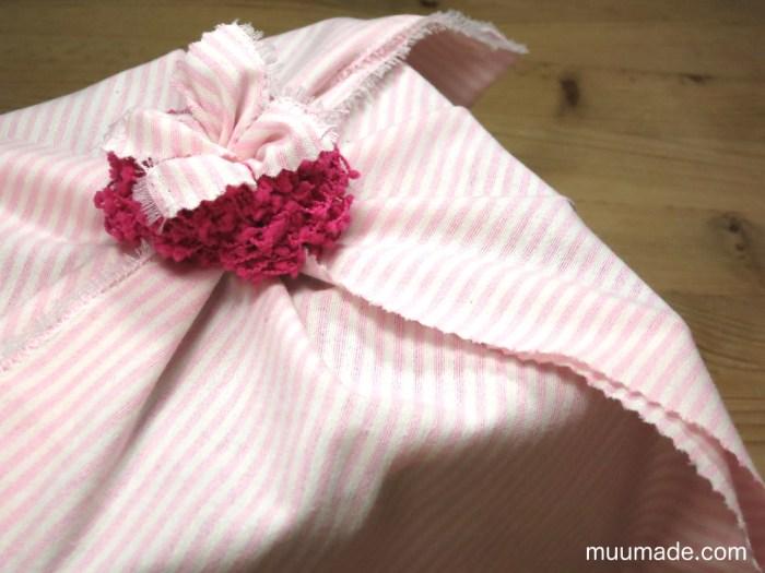 Fabric gift wrap - pinwheel wrapping