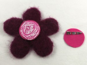 Free Tutorial: Needle Felted Flower Brooch - step 6