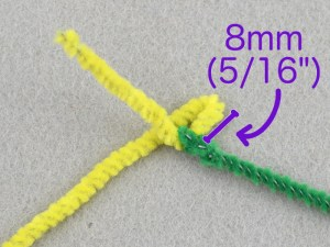 How to make tiny flowers with pipe cleaners