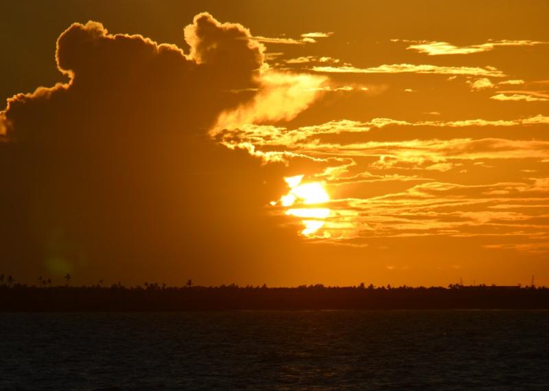 Auringonlasku Fijillä