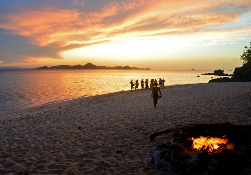 Auringonlasku Filippiineillä