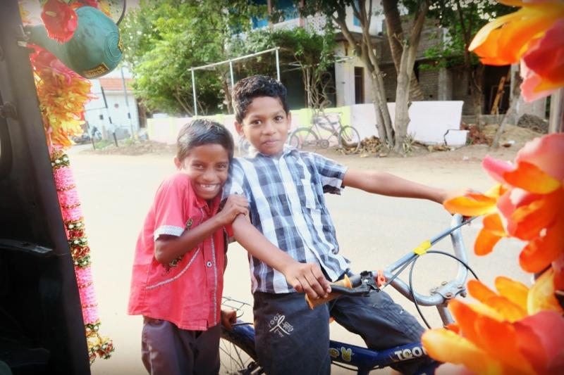 intialaisia lapsia