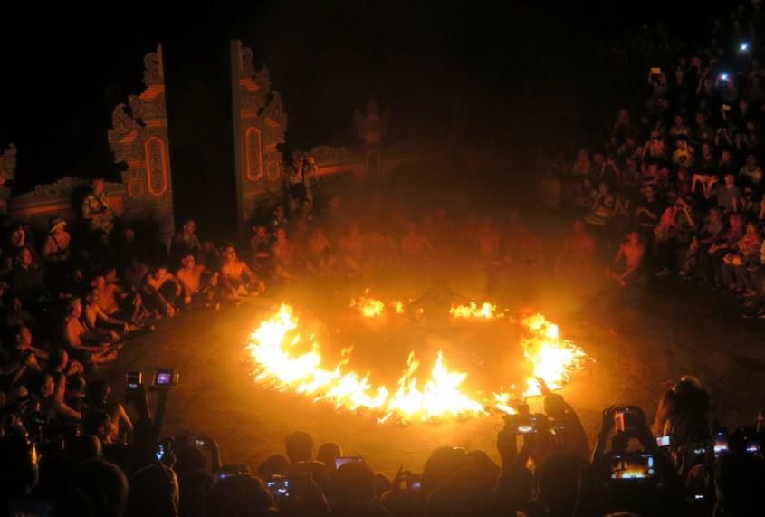 Mitä tehdä Balilla | Kecak -tanssiesitys
