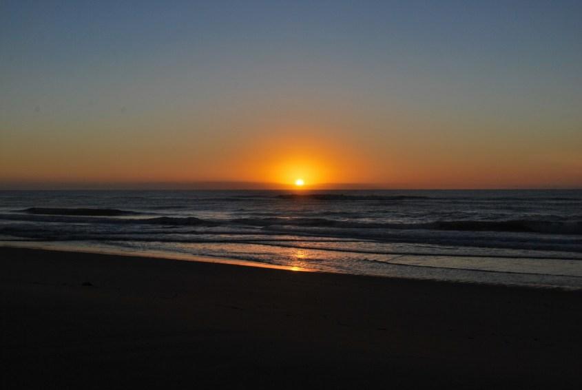 Auringonnousu 90 Mile Beachillä