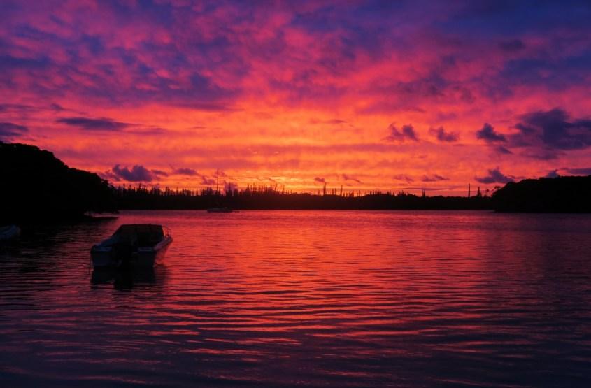Auringonlasku Uudessa-Kaledoniassa