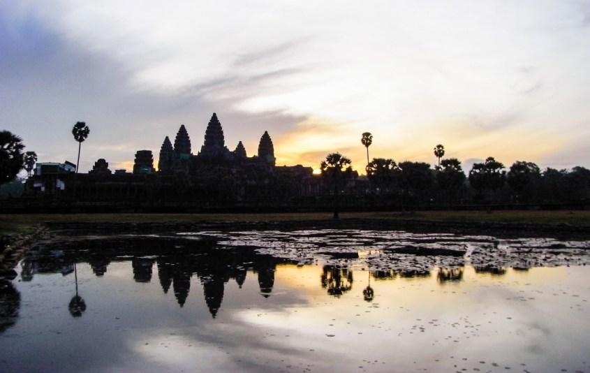 Angkor Wat auringonnousu
