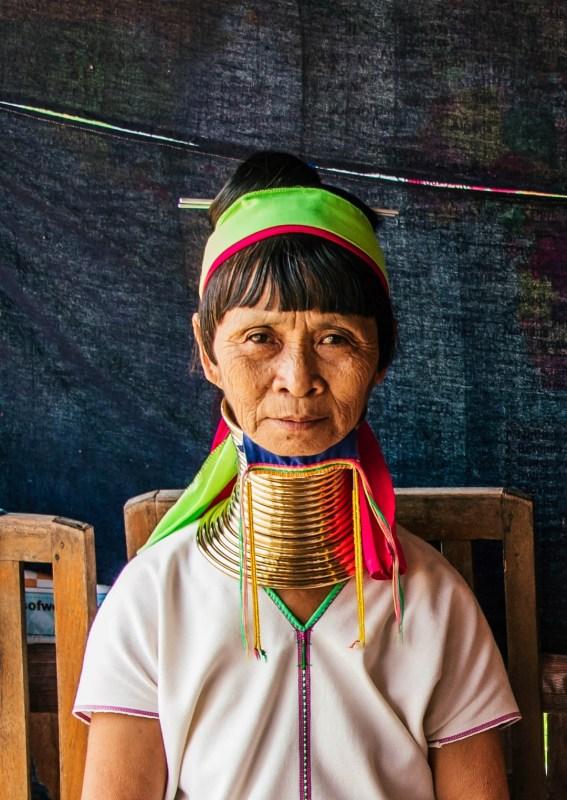 Myanmarin pitkäkaulaiset naiset