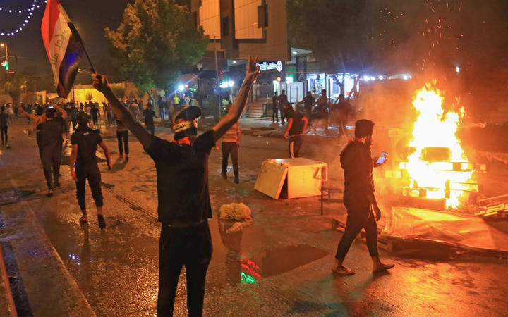 Iraq protests: At least two dead as security forces use tear gas 2