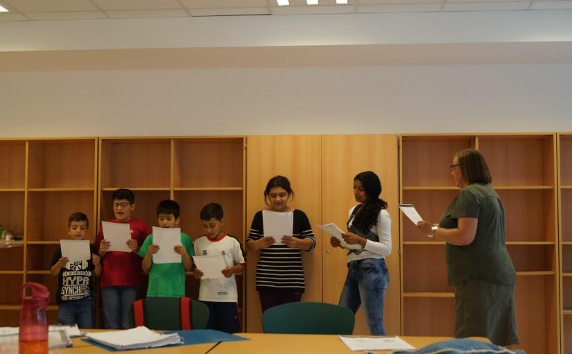 Singen mit unserer Willkommensklasse in der Wilhelm-Busch-Grundschule