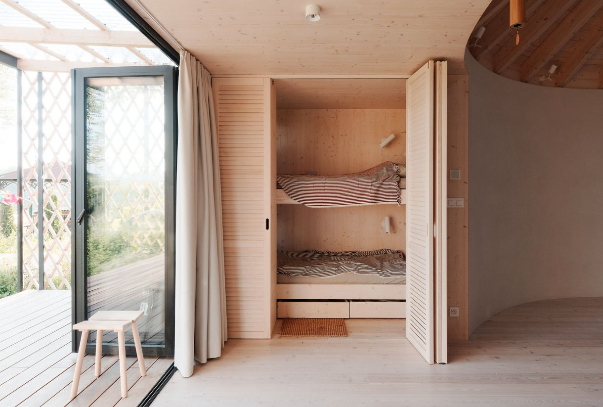 wooden-yurt-bunk-bed
