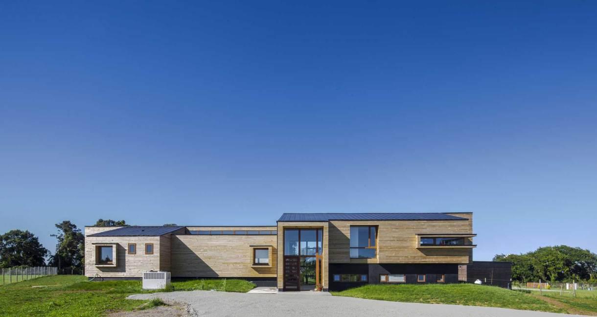 House-Versín-Folsch-wooden-building-front