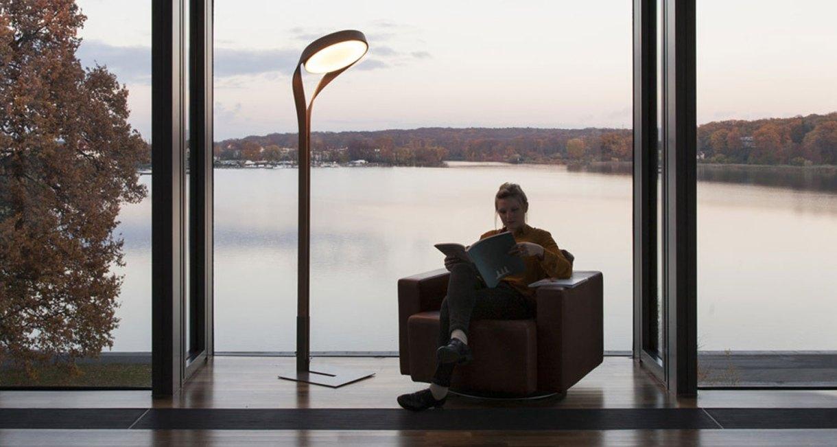 LUX-FAGUS-wood-floor-lamp-interior-reading