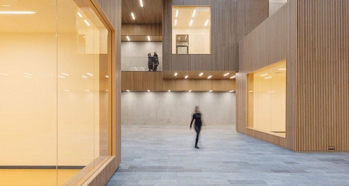 Life-Science-Bioengineering-oak-wood-building-room
