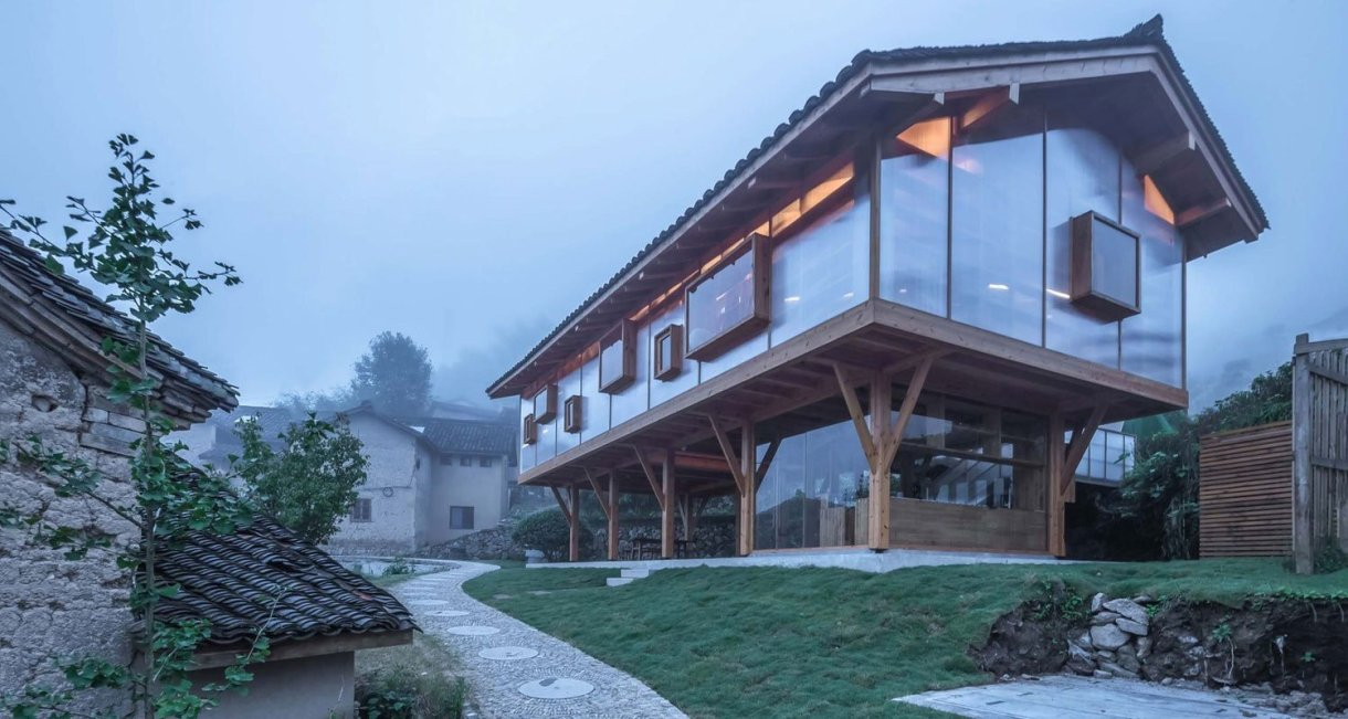 Mountain-house-in-Mist-side-view