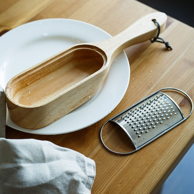 cheese-grater-oak-wood-wash