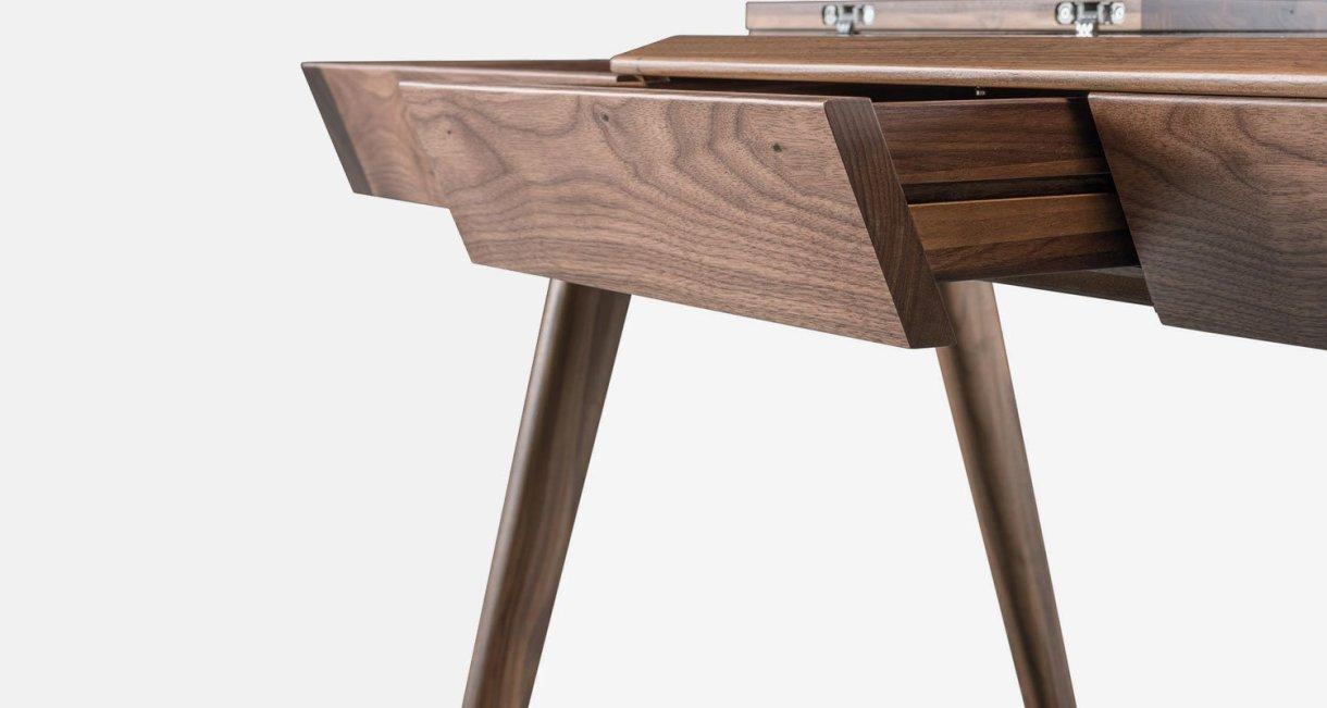 metis-desk-Gonçalo-Campos-drawers