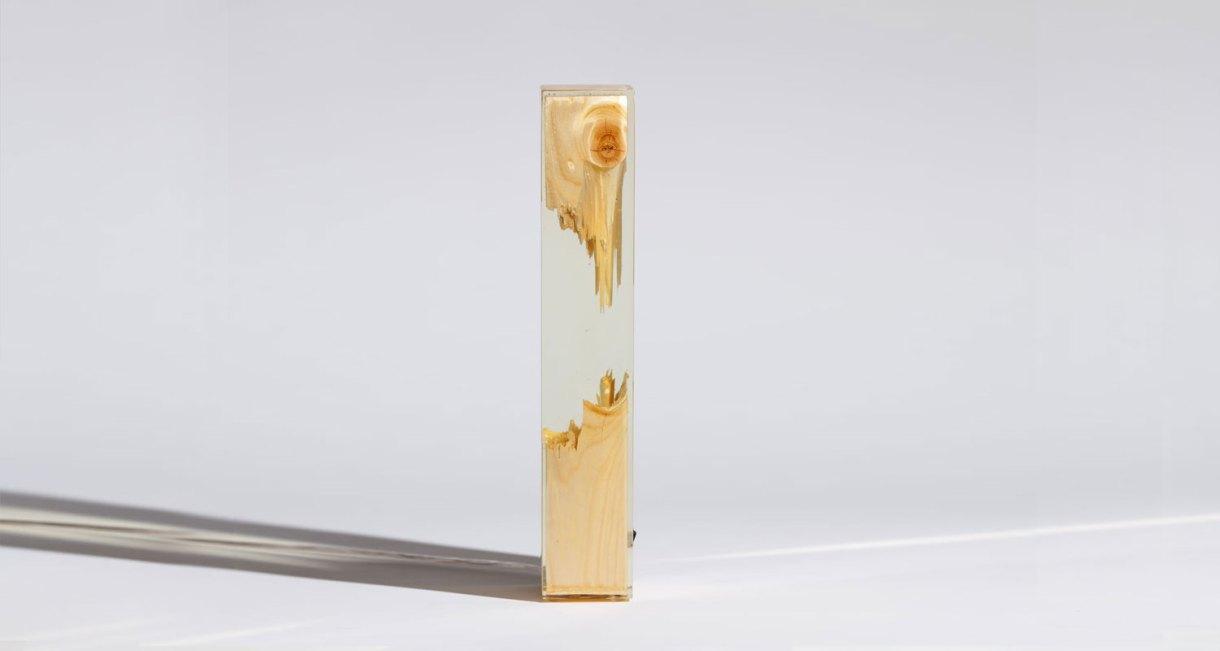 torn-lamp-vertical-bendover-straight-rein