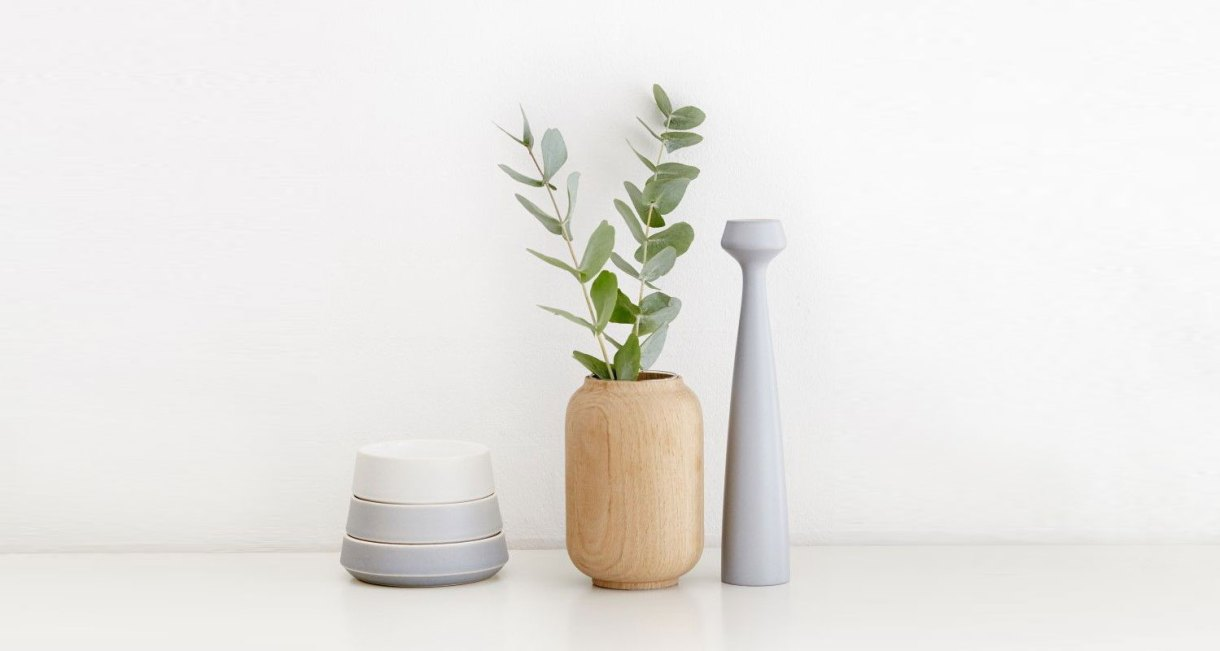 Anders-Nørgaard-oak-Poppy-Vase-2