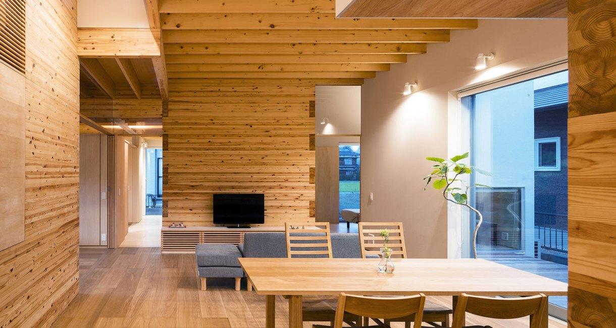 Three-storage-places-and-Eight-roofs-Kakinomifarmarchitects-6