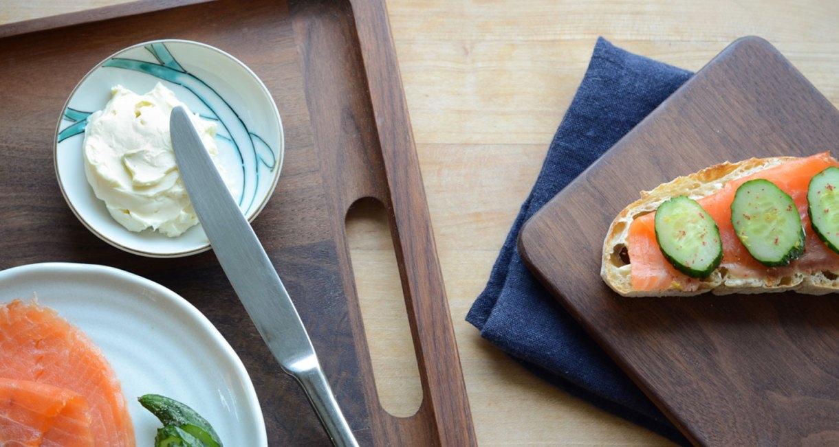walnut-wood-tray-seat-3