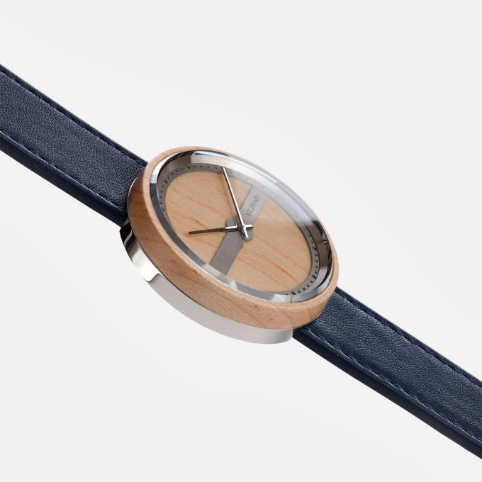 wooden-watch-maple-wood-stainless-steel-NAUTIC-70-NORTH-1