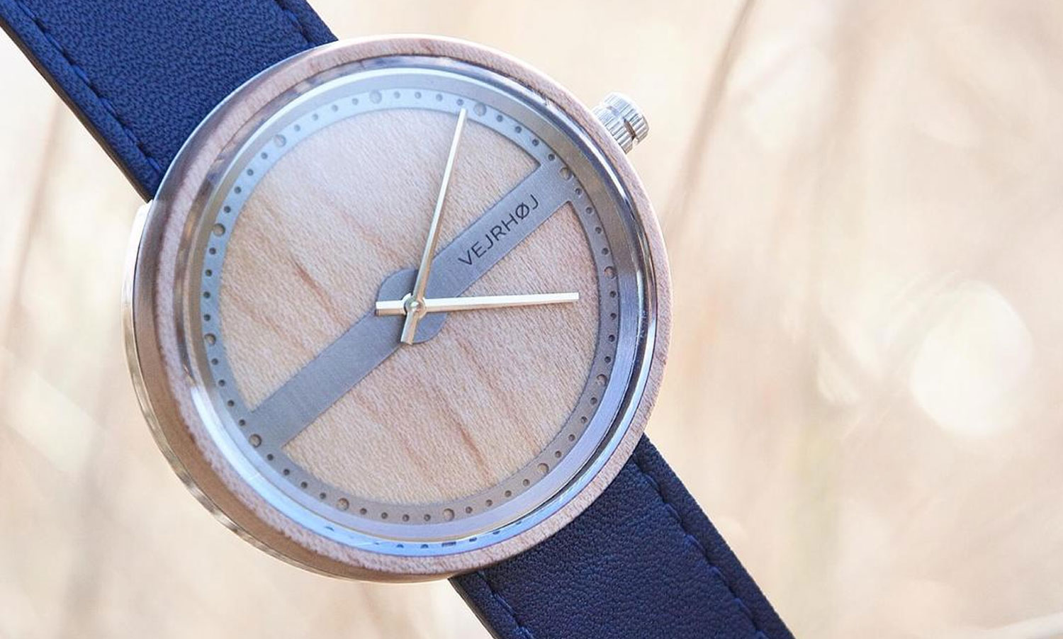 wooden-watch-maple-wood-stainless-steel-NAUTIC-70-NORTH-5