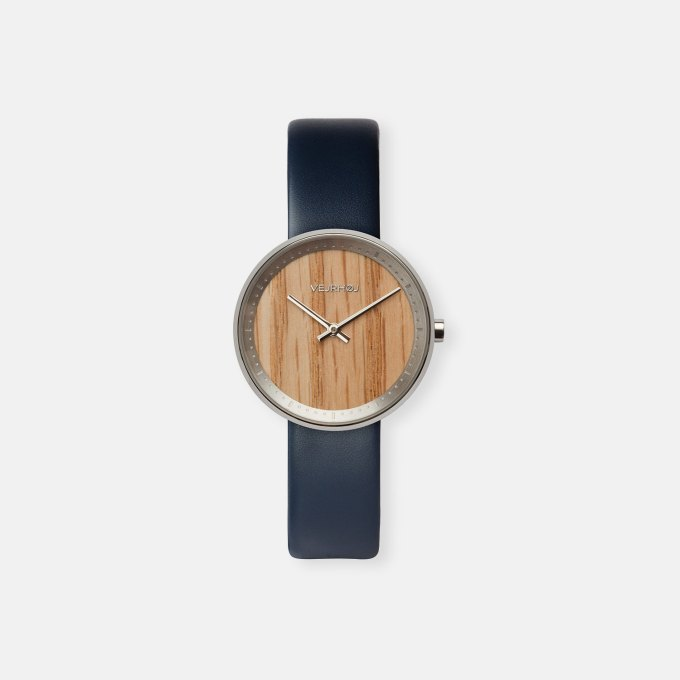 wooden-watch-red-oak-wood-stainless-steel-polished-finish-5