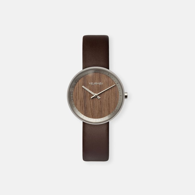 wooden-watch-walnut-wood-stainless-steel-polished-finish-5