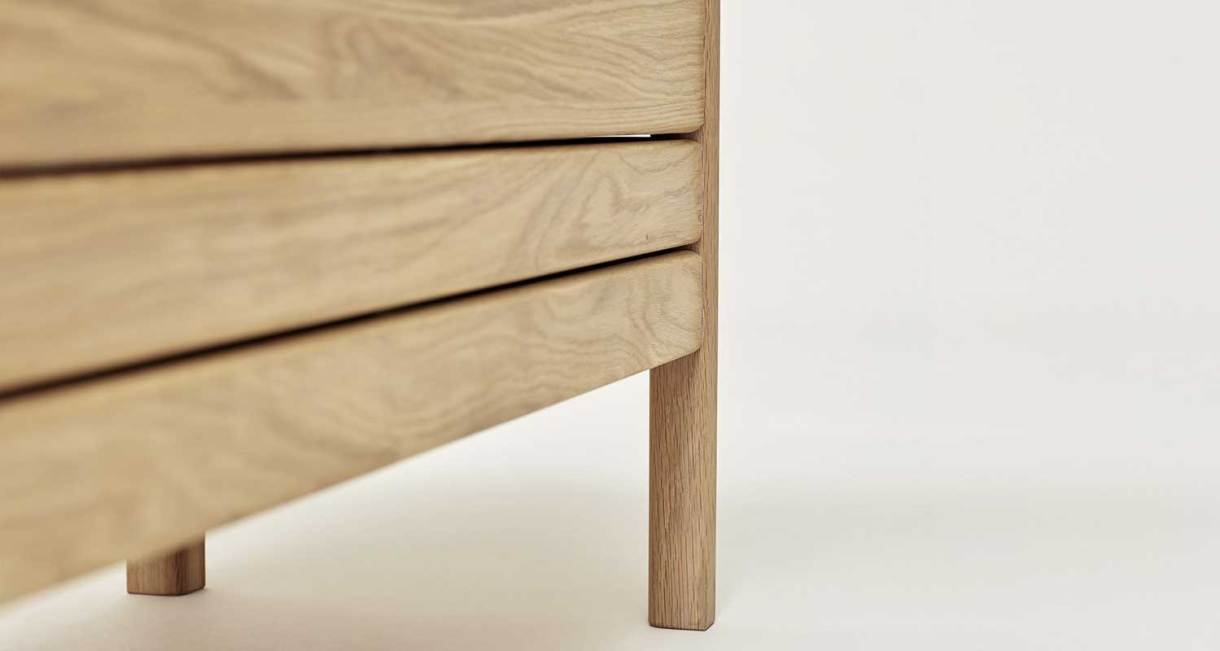 Storage-Bench-oak-wood-2
