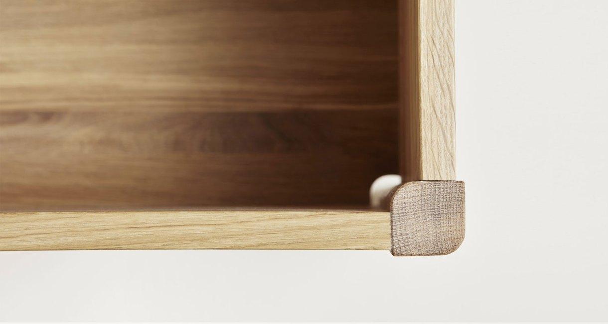 Storage-Bench-oak-wood-3
